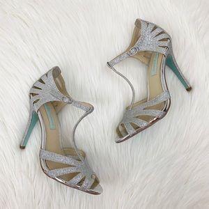 Betsey Johnson Tee Silver Sparkle Glitter Heels